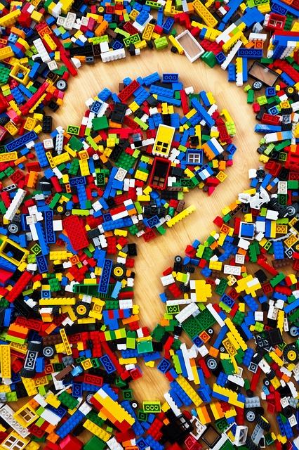 lego-pixabay-cc0-568038_640